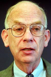 <B>Sen. Bob Bennett</B><br>Speaks at UVSC