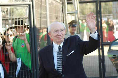 ''I respect and admire you so much,'' Gordon B. Hinckley told a crowd of 45,000 LDS faithful at a stadium Saturday in Santiago, Chile.