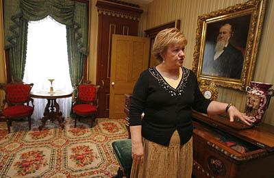 This house still is ''a living contributing part of the community,'' said the Lion House historian Nancy Thomas Davies as she shows the details of the ''gathering'' room of the house where its owner, Brigham Young, liked to entertain his guests.