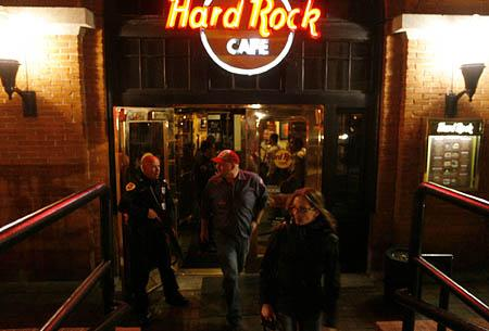 Salt Lake City Police evacuate the Hard Rock Cafe.