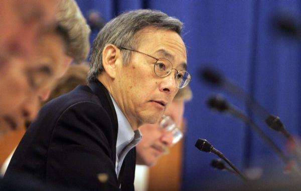 Secretary of Energy Steven Chu addresses the panel about climate change during the Western Governor's Association meeting.