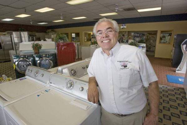 Dan Dan The Maytag Man Switches Brands The Salt Lake Tribune