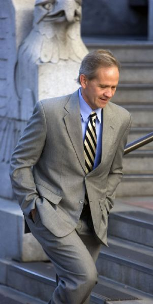 Ed Smart enters federal court Tuesday in Salt Lake City, where Wanda Barzee pleaded guilty in the Elizabeth Smart kidnapping that took place seven years ago.