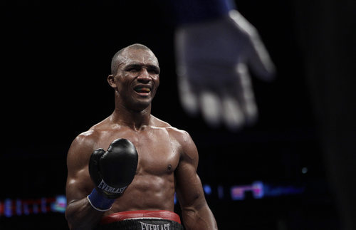 Sakio Bika grimaces while gesturing toward the referee during the 10th round of an WBA super middleweight championship boxing fight against Andre Ward in Oakland, Calif., Saturday, Nov. 27, 2010. Ward won by unanimous decision to retain his title. (AP Photo/Jeff Chiu)