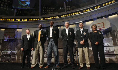 Leah Hogsten  |  The Salt Lake Tribune  John L. Doleva, left, president and CEO of the Naismith Memorial Basketball Hall of Fame, Michael Jordan, David Robinson, Jerry Sloan, John Stockton and C. Vivian Stringer during a 2009 induction ceremony at the Naismith Basketball Hall of Fame.