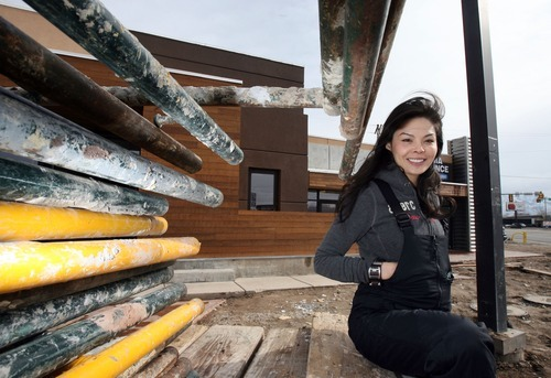 Steve Griffin The Salt Lake Tribune Mai Nguyen And Her Family Are Investing 1 2 Million