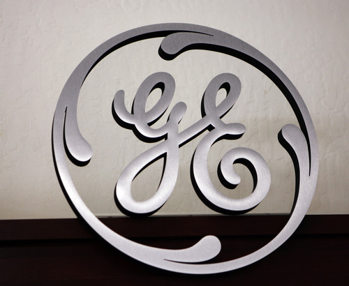 Paul Sakuma     The Associated Pressfile photo General Electric announced Thursday that it would spend $600 million to build the nation's biggest solar panel factory. It would build the same type of so-called thin film solar panels manufactured by First Solar, the biggest producer of solar panels in the world.