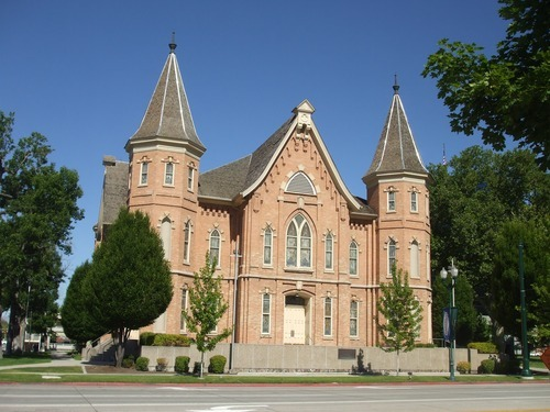 The historic Provo Tabernacle, as it looked before the Dec. 17, 2010 fire. (Wikipedia Commons photo)