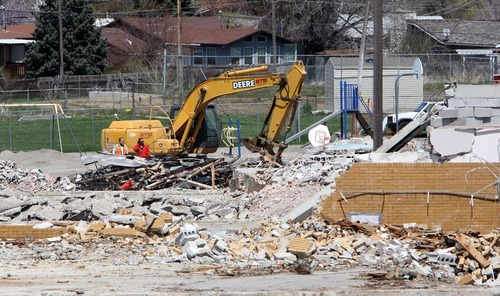 Steve Griffin  |  The Salt Lake Tribune Demolition continues on Mountview Elementary School in Cottonwood Heights.