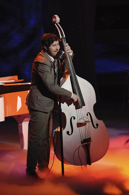Casey Abrams performs in front of the judges on
