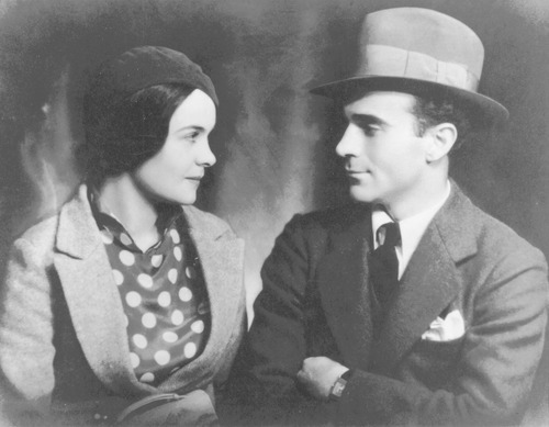 Helen and Edgar Snow pose for a wedding photo. Courtesy BYU Special Collections