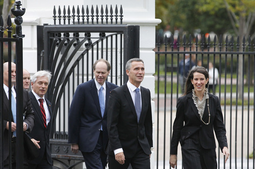 Norway's Prime Minister Jens Stoltenberg, second from right, walks to the White House in Washington, Thursday, Oct. 20, 2011, for an Oval Office meeting with President Barack Obama. (AP Photo/Haraz N. Ghanbari)