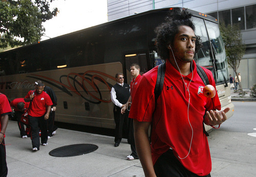 Scott Sommerdorf  |  The Salt Lake Tribune              Utah RB Harvey Langi juggles an apple as he and th reast of the team arrives at the team hotel in San Francisco Friday evening. The Utah Utes arrive in San Francisco, and go right into a brief team meeting and the team meal at the Marriott Marquis in San Francisco, Friday, October 21, 2011.