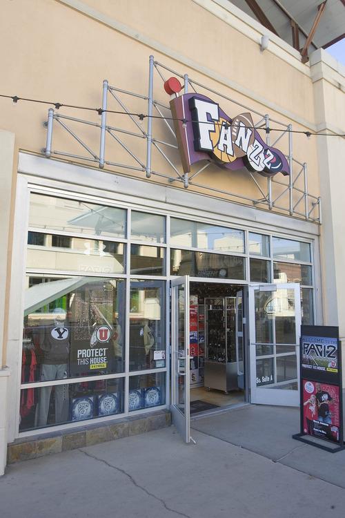 Paul Fraughton   The Salt Lake Tribune The Fanzz Store in the Gateway   Thursday, October 13, 2011