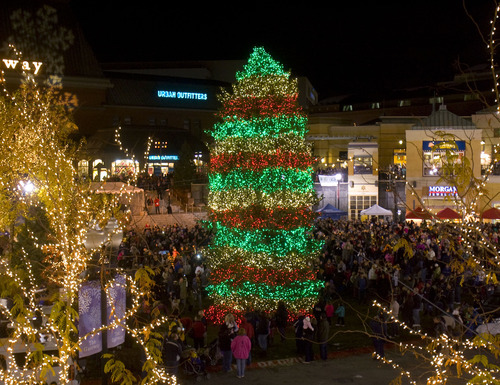 Trent Nelson | The Salt Lake Tribune The Christmas tree at The Gateway in Salt Lake & The Gateway Christmas tree lights up the night - The Salt Lake Tribune azcodes.com