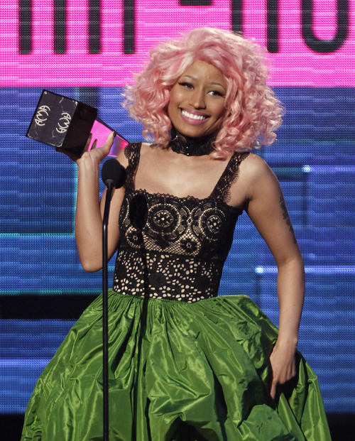 Nicki Minaj accepts the rap/hip-hop favorite album award for