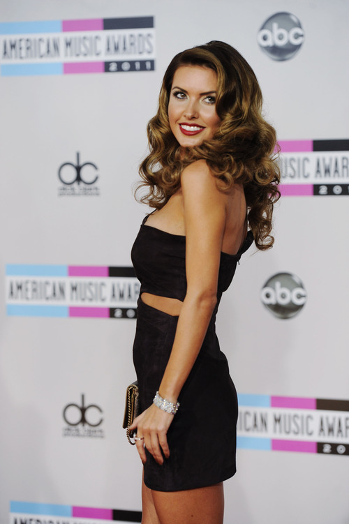 Audrina Patridge arrives at the 39th Annual American Music Awards on Sunday, Nov. 20, 2011 in Los Angeles. (AP Photo/Chris Pizzello)
