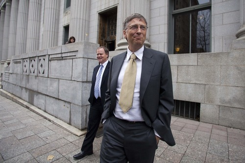 Microsoft co-founder and chairman Bill Gates leaves the Frank E. Moss federal courthouse in Salt Lake City, Monday, Nov.  21, 2011. Gates testified in a $1 billion antitrust lawsuit brought by Novell Inc. (AP Photo/Jim Urquhart)