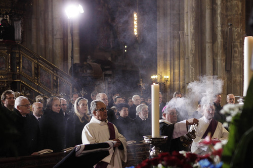 Dagmar Havlova, 2nd from left, atttends the state funeral of her husband, former Czech President Vaclav Havel, in the St. Vitus Cathedral in Prague, Friday, Dec. 23, 2011. Havel died Sunday, Dec. 18, at age 75. (AP Photo/Markus Schreiber)