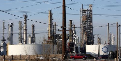 Steve Griffin     The Salt Lake Tribune   The Holly/Frontier refinery in Woods Cross, Utah  Thursday, January 5, 2012.