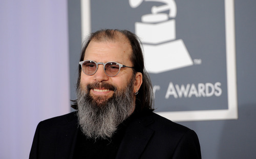 Steve Earle arrives at the 54th annual GRAMMY Awards on Sunday, Feb. 12, 2012 in Los Angeles. (AP Photo/Chris Pizzello)
