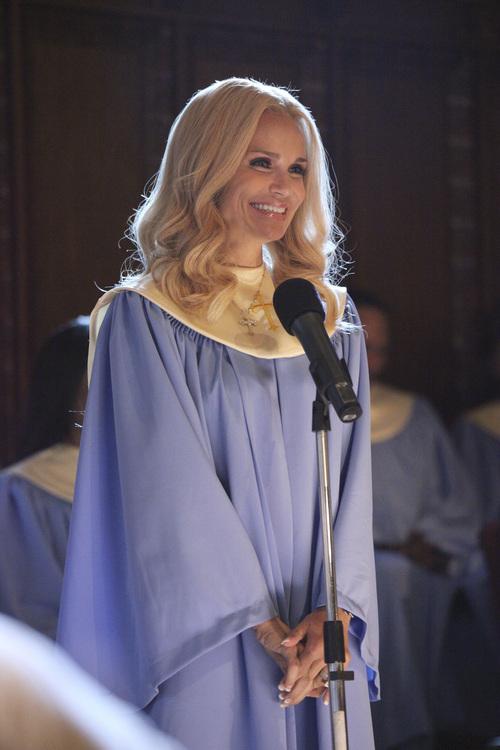Kristin Chenoweth stars as Carlene Cockburn in