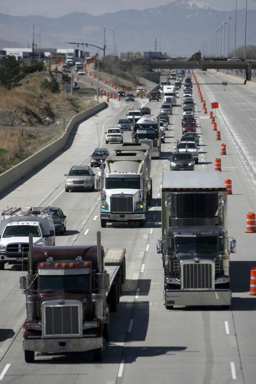 Francisco Kjolseth     The Salt Lake Tribune Utah motorists can expect more traffic snarls this summer as crews wrap up work on the Interstate 15 rebuild in Utah County.
