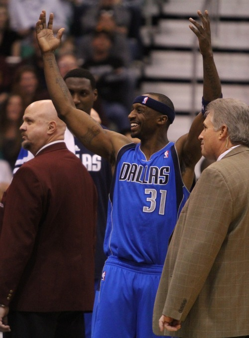 Rick Egan  | The Salt Lake Tribune   Dallas Mavericks shooting guard Jason Terry (31) taunts the crowd as they chant