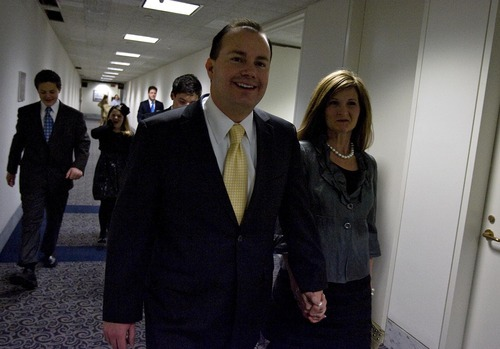 Djamila Grossman  |  The Salt Lake Tribune  Sen. Mike Lee, like other members of Congress from the Intermountain West, often catches Delta Flight 2384 for nonstop service from Reagan National Airport in Washington, D.C., to Salt Lake City.