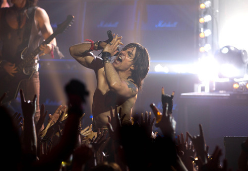 Tom Cruise as dissipated rocker Stacee Jaxx in