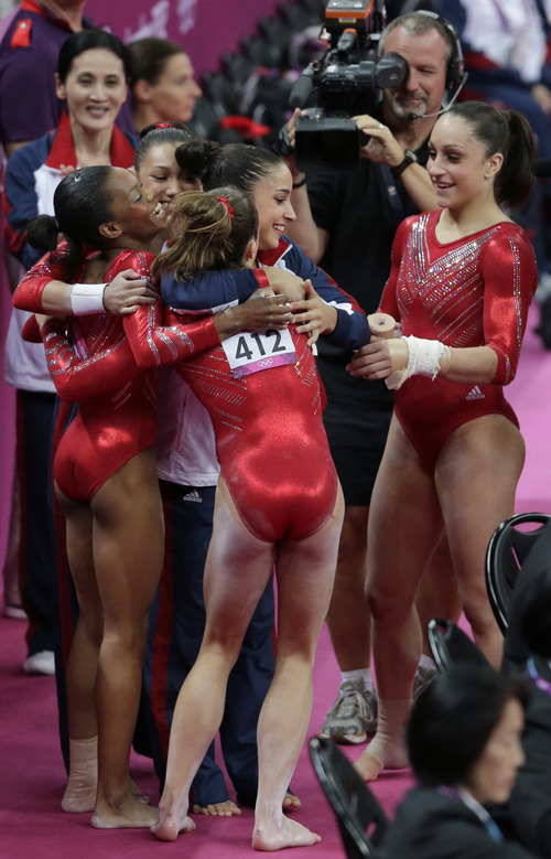 Olympics In A Runaway U S Women Win Gymnastics Gold