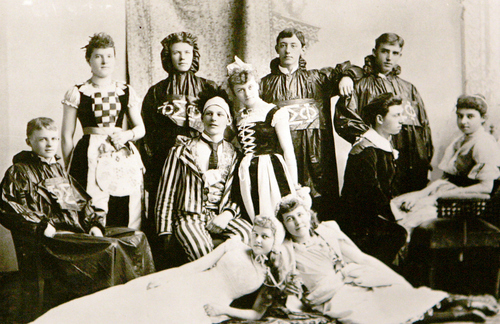 Photo Courtesy of the Utah Historical Society   Salt Lake Theatre actors around 1910.