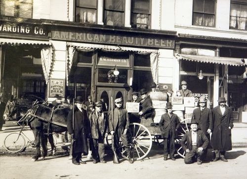 Horseshoe Liquor Company wagon in front of the Good Luck Bar in Salt Lake, 1917. Courtesy of the Utah Historical Society