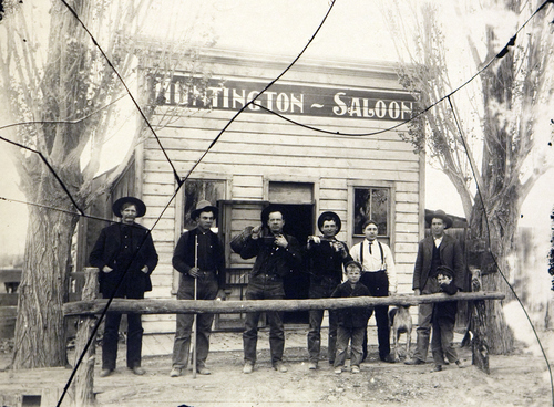 Huntington Saloon, Huntington, Utah. The lines in the photo are from cracks in the original glass negative. Courtesy of the Utah Historical Society