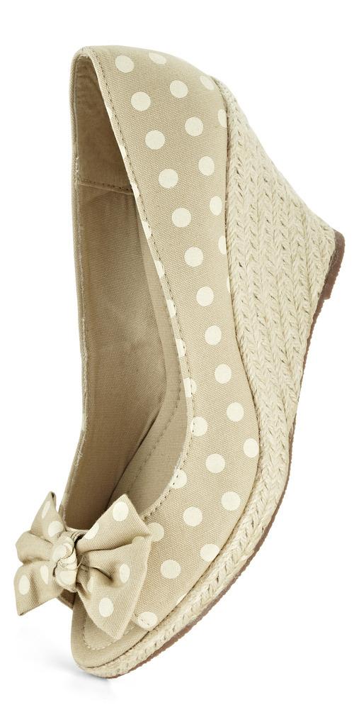 Courtesy   Marko Metzinger Amiclubwear.com's peep-toe wedges have loads of vintage flair