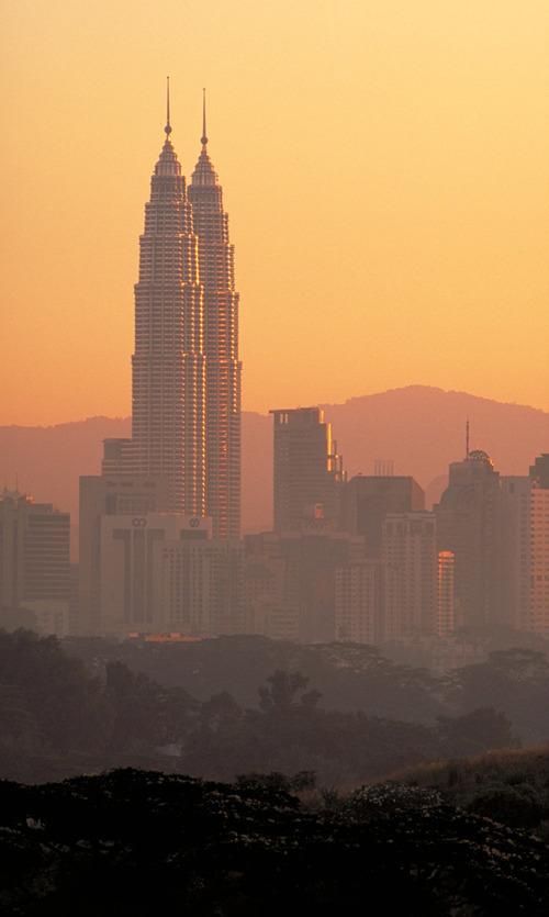 Petronas Towers |  Kuala Lumpur, Malaysia Courtesy Pelli Clarke Pelli Architects