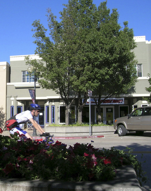 Photo #2 – BountifulÂ's Main Street is easily accessible by car, bicycle or foot in this 2005 photo. Photo taken 18 July 2005 by Janine S. Creager.