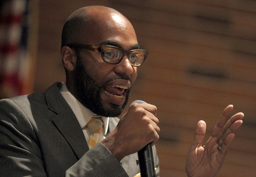 Al Hartmann     The Salt Lake Tribune Columbia University professor Christopher Emdin speaks to students at Salt Lake Center for Science Education Wednesday Septmeber 5 about how he incorporates hip hop music and culture into the study of science.