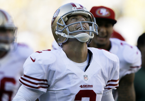 San Francisco 49ers kicker David Akers reacts after kicking a 63-yard field goal during the first half of an NFL football game against the Green Bay Packers Sunday, Sept. 9, 2012, in Green Bay, Wis. (AP Photo/Jeffrey Phelps)