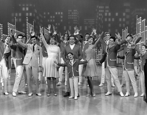 The Osmonds and other guests close out 'The Andy Williams show' circa 1965. (Photo by Michael Ochs Archives/Getty Images)