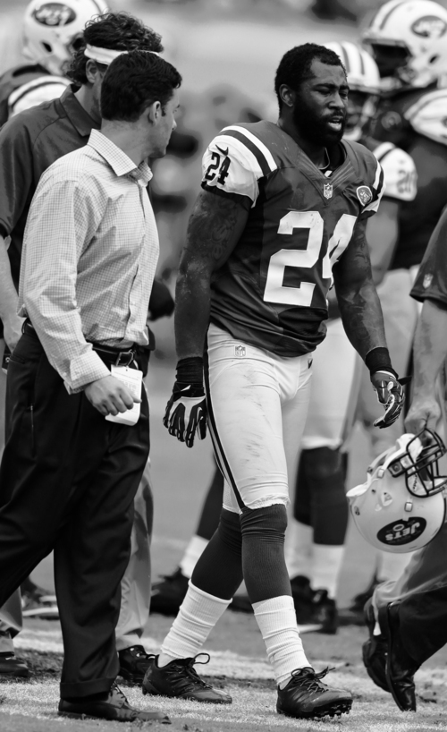 Lynne Sladky  |  The Associated Press Jets cornerback Darrelle Revis may think there's a 0.0002 percent chance Rex Ryan knows what he's doing.
