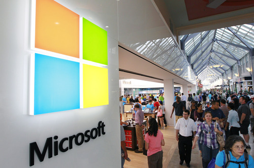 (AP Photo/Steven Senne) Windows 8 is the biggest revision of Microsoft Corp.'s operating system since it introduced Windows 95 amid great fanfare 17 years ago.