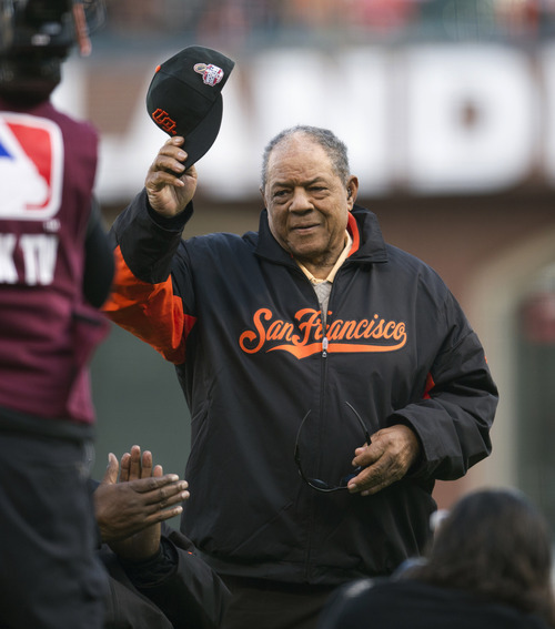 Hall of Famer Willie Mays tips his cap during introductions for Game 1 of baseball's World Series between the San Francisco Giants and the Detroit Tigers on Wednesday Oct. 24, 2012, in San Francisco. (AP Photo/The Sacramento Bee, Paul Kitagaki Jr.) MAGS OUT; TV OUT (KCRA3, KXTV10, KOVR13, KUVS19, KMAZ31, KTXL40) MANDATORY CREDIT