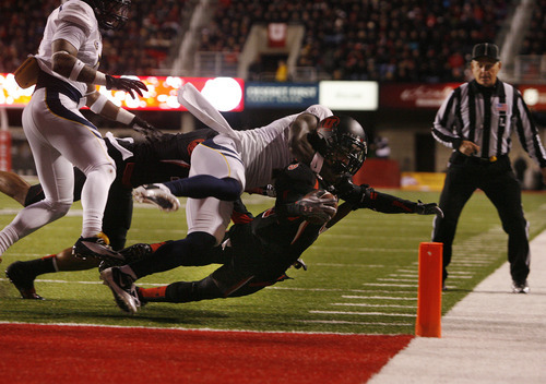 Scott Sommerdorf     The Salt Lake Tribune               Utah Utes wide receiver Dres Anderson (6) rushed the ball to the Cal one yard line and tackled just short of the pylon. Utah led Cal 28-6 at the half, Saturday, October 27, 2012.
