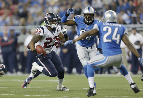 Houston Texans running back Arian Foster (23) runs during the second quarter of an NFL football game against the Detroit Lions at Ford Field in Detroit, Thursday, Nov. 22, 2012. (AP Photo/Paul Sancya)