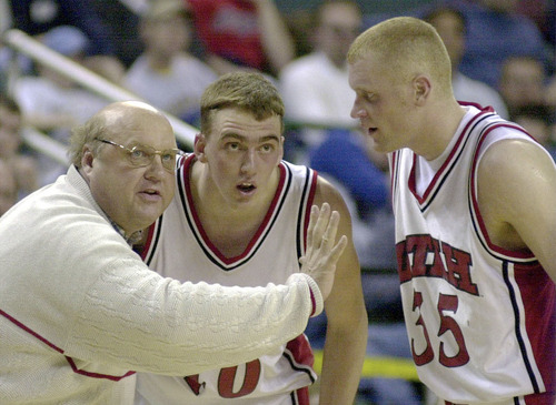 Utah coach Rick Majerus gets Phil Cullen and Jeff Johnsen on the same page during the final seconds of the Utes victory over St.Louis March 16, 2000. Griffin/photo