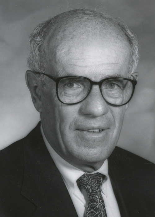 Homer Warner, one of the grandfathers of biomedical informatics, retired from the University of Utah in 1996. He died on Nov. 30 from complications of pancreatitis at the age of 90. Courtesy University of Utah Department of Public Affairs