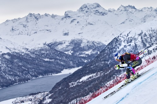 Lindsey Vonn of the US speeds down the course during the Super G of the Super Combined of the women's Alpine Skiing World Cup event in St. Moritz, Switzerland, Friday, Dec. 7, 2012. (AP Photo/Keystone, Alessandro Della Bella)