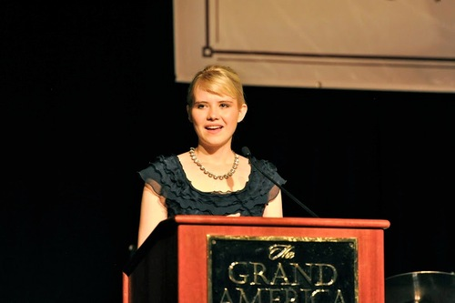 Elizabeth Smart, recipient of the Family Counseling Center's Legacy of Hope Award at its Centennial Gala.  Photo by Kristin Stockham.