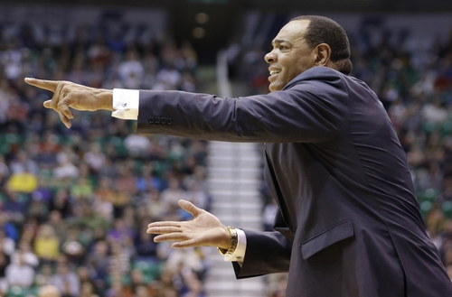 Memphis Grizzlies head coach Lionel Hollins argues with a referee in the second quarter during an NBA basketball game against the Utah Jazz Saturday, Dec. 15, 2012, in Salt Lake City. (AP Photo/Rick Bowmer)